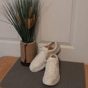 Nike Women's Mayfly Woven Shoe/Sneaker